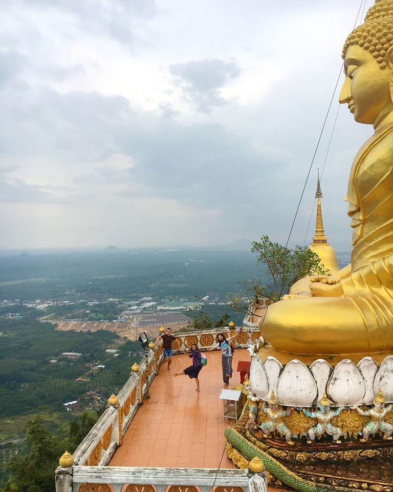 Tiger Cave Temple, monks, Krabi, Храм Пещера Тигра, монахи, Краби