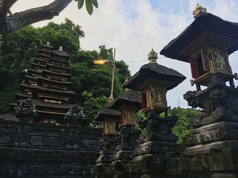 Гоа Лавах (Goa Lawah)