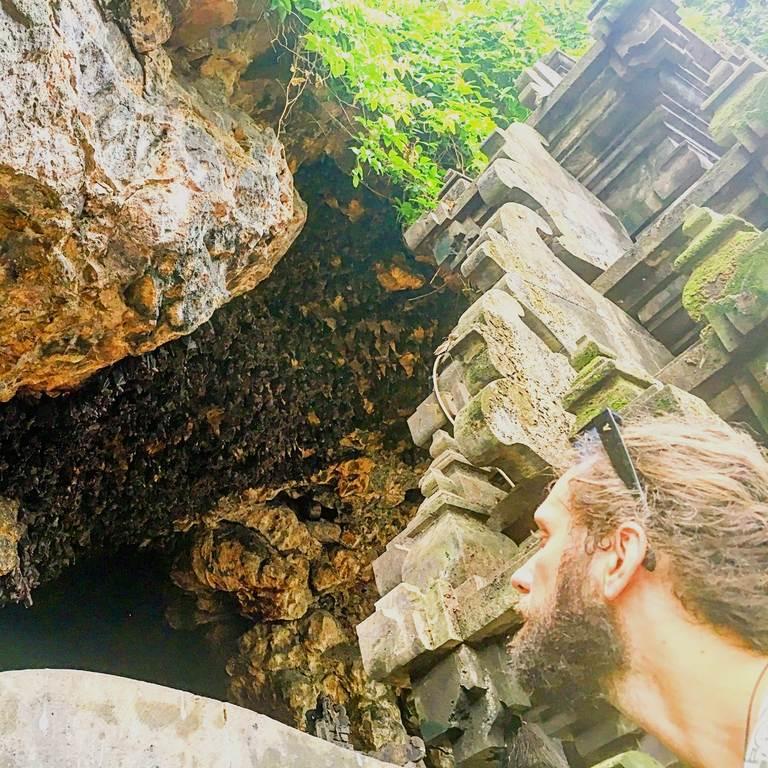 Гоа Лавах (Goa Lawah), пещера летучих мышей